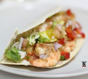 Baja prawns taco