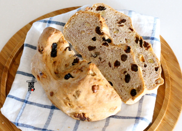walnut raisin bread_02_scaled